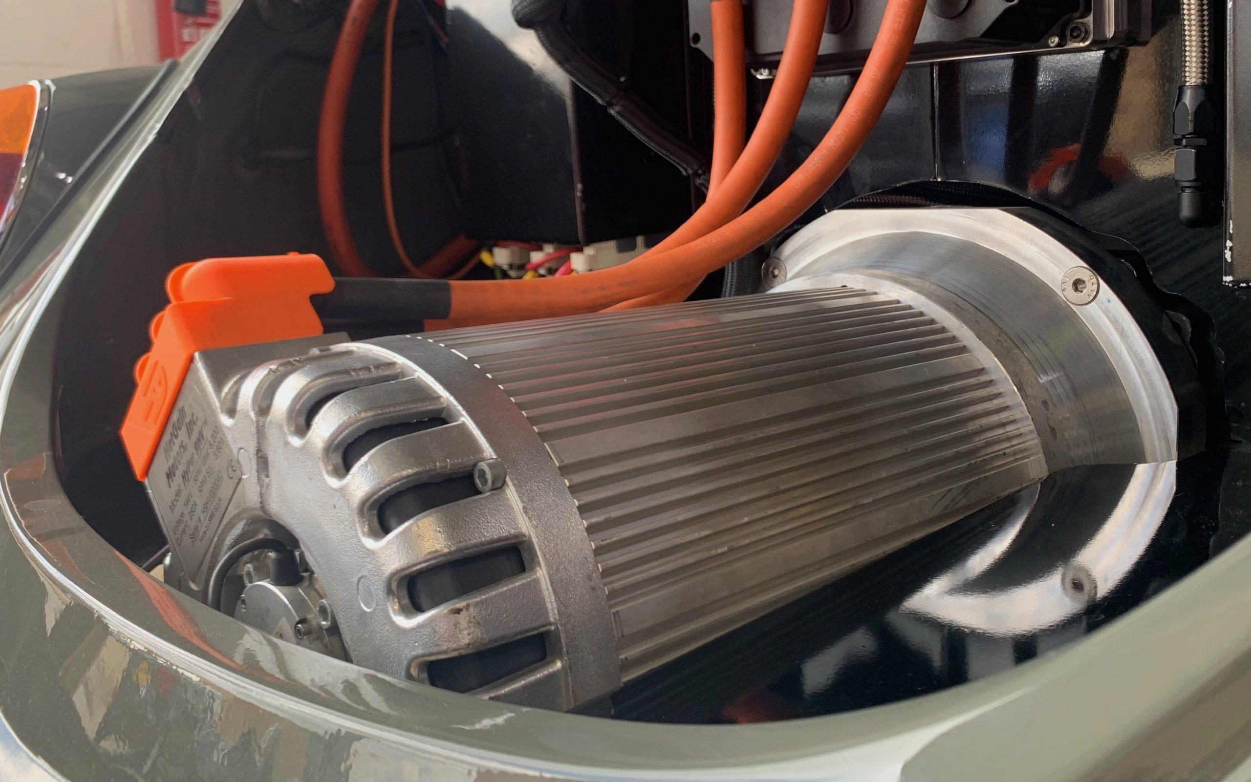 Netgain Hyper9 installed in VW Beetle